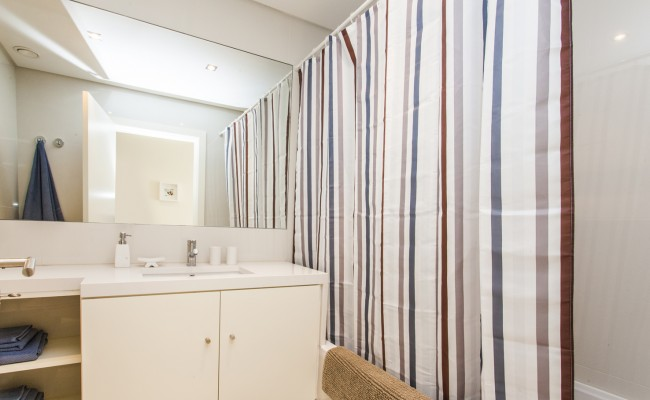 8-wc suite